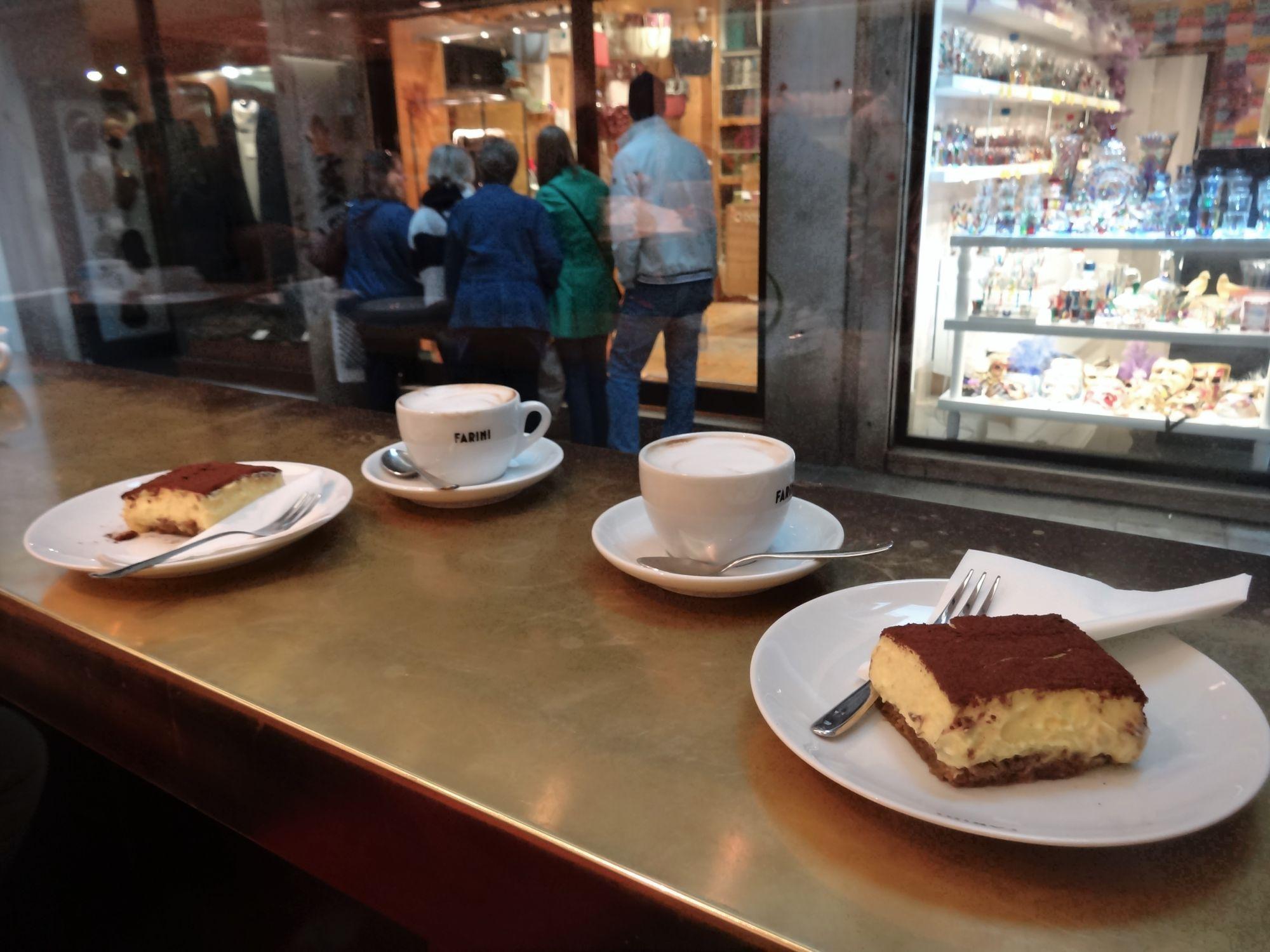 Místní cukrárno-pekárno-kavárna :)